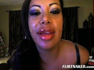 Big Lips Milf Show Off On Cam