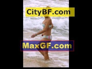 Lindsay Lohan Bikinis In Hawaii After Plyboy Photos Leaked Online